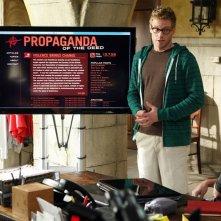 Renée Felice Smith, Barrett Foa e Eric Christian Olsen nell'episodio Imposters di NCIS: Los Angeles