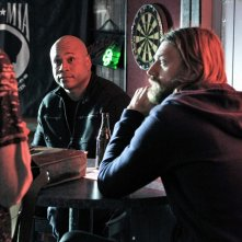 Sam Hanna (LL Cool J) durante l'indagine nell'episodio Imposters di NCIS: Los Angeles