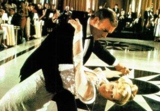 Sean Connery e Kim Basinger in una scena di Agente 007 - Mai dire mai