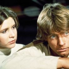 Carrie Fisher e Mark Hamill in una scena di Guerre Stellari