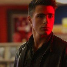 Colton Haynes in una scena della serie Teen Wolf
