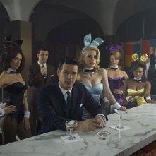 Eddie Cibrian, Amber Heard, Naturi Naughton,Laura Benanti e altri in una foto promozionale della serie The Playboy Club