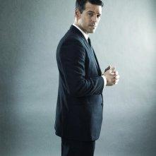 Eddie Cibrian in una foto promozionale della serie The Playboy Club