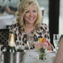 Jennifer Aspen in un momento del pilot di Good Christian Belles