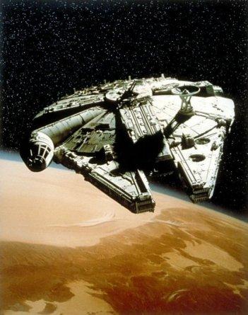 L'immarcescibile Millenium Falcon in una scena di Guerre Stellari
