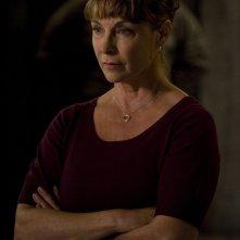 La Senatrice Michaels (Kathleen Quinlan) in un momento dell'episodio Alliances di Stargate Universe