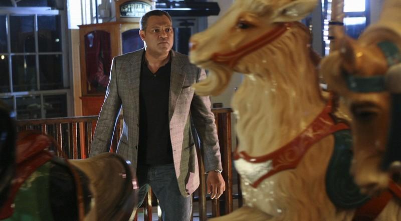 Langston Laurence Fishburne In Un Luna Park Nell Episodio Cello And Goodbye Di Csi Scena Del Crimine 205467