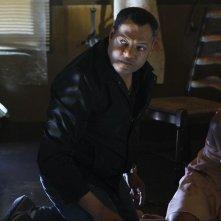 Langston (Laurence Fishburne) nell'episodio In A Dark, Dark House di CSI: Scena del crimine