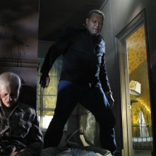 Laurence Fishburne in un momento dell'episodio In A Dark, Dark House di CSI: Scena del crimine