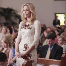 Leslie Bibb in una scena del pilot di Good Christian Belles