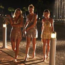 Martina Stella, Vittoria Belvedere e Camilla Ferranti in una scena della fiction Angeli e diamanti