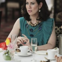 Miriam Shor in una scena del pilot di Good Christian Belles