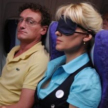 Jean-Paul Rouve e Judith Godrèche nel film Low Cost