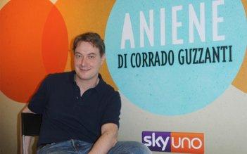 Corrado Guzzanti in una foto promozionale per il suo programma Aniene