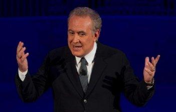 Michele Santoro nel suo talk show Annozero