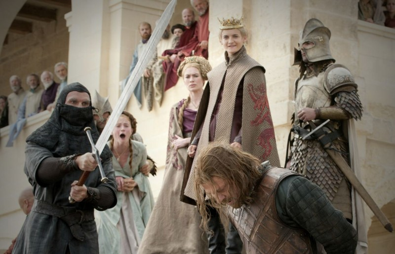 Lena Headey, Jack Gleeson e Sean Bean in una scena dell'episodio Baelor di Game of Thrones