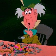 Il Cappellaio Matto in una scena del film d'animazione Alice nel paese delle meraviglie