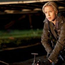 Jessy Schram in una immagine del pilot della serie Falling Skies