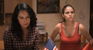 Catherine Wilkening e Veronica Gentili nel film Ballkan Bazar