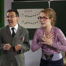 Elie Semoun e Joséphine de Meaux in una scena della commedia L'élève Ducobu