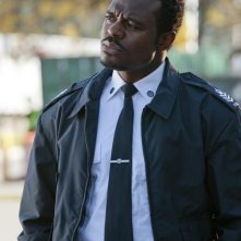 Lyriq Bent in una scena dell'episodio Might Have Been di Rookie Blue