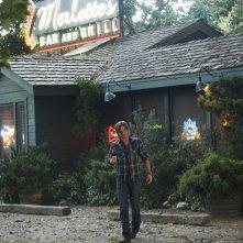 Sam Trammell in una scena della stagione 4 di True Blood