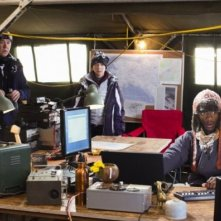 Aldis Hodge e Timothy Hutton nell'episodio 'The Long Way Down Job' di Leverage (stagione 4)