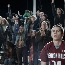 Una scena con Dylan O'Brien nell'episodio 'Second Chance at First Line' di Teen Wolf