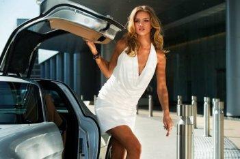Rosie Huntington-Whiteley in una scena di Transformers: The Dark of the Moon