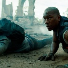 Shia LaBeouf insieme a Tyrese Gibson in Transformers: The Dark of the Moon