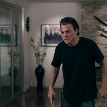Clayne Crawford nel thriller The Perfect Host