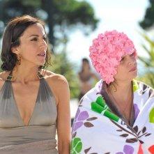 Fadila Belkebla con Isabelle Nanty nella commedia Les Tuche