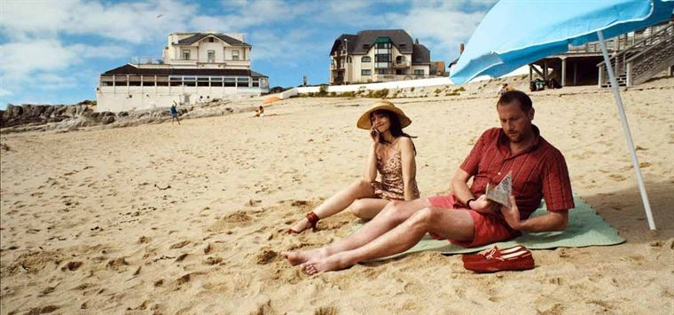 Maria De Medeiros Con Francois Damiens Nel Film Ni A Vendre Ni A Louer 207830