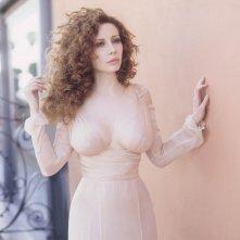 un sensuale ritratto di Francesca Dellera