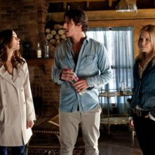 Emily Rose, Kathleen Munroe e Eric Balfour nell'episodio 'Love Machine' di Haven