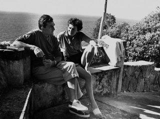Luchino Visconti e Suso Cecchi D'Amico ad Ischia, nella residenza La Colombaia