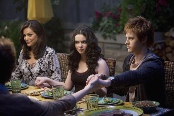 Constance Marie Vanessa Marano E Lucas Grabeel Nell Episodio American Gothic Di Switched At Birth 208278