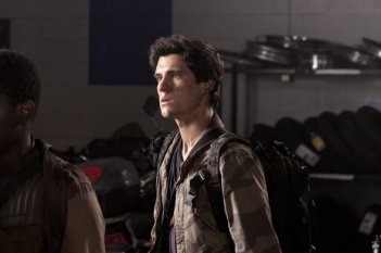 Drew Roy nell'episodio Grace della serie Falling Skies