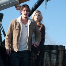 Emily Rose e Eric Eric Balfour nell'episodio 'Fear & Loathing' di Haven