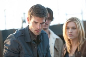 Emily Rose e Lucas Bryant nell'episodio 'Fear & Loathing' di Haven