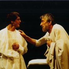MARIO CEI (Critone) e GIGI PROIETTI (Socrate) a teatro con SOCRATE di V. CERAMI