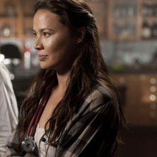 Moon Bloodgood in una scena dell'episodio Grace della serie Falling Skies