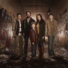 Un'immagine promozionale del cast della serie Falling Skies