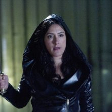 Una scena con Alicia Coppola nell'episodio 'Green Star' di The Nine Lives of Chloe King