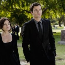 Ian Harding e Lucy Hale nell'episodio 'The Devil You Know' di Pretty Little Liars