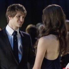 Keegan Allen nell'episodio 'Never Letting Go' di Pretty Little Liars