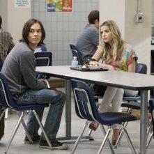 Una scena con Ashley Benson e Tyler Blackburn nell'episodio 'Blind Dates' di Pretty Little Liars