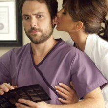 Charlie Day e Jennifer Aniston in Horrible Bosses