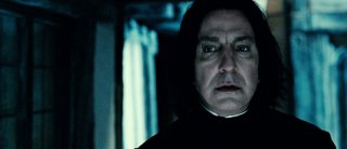 Alan Rickman in una scena di Harry Potter e i doni della morte parte 2