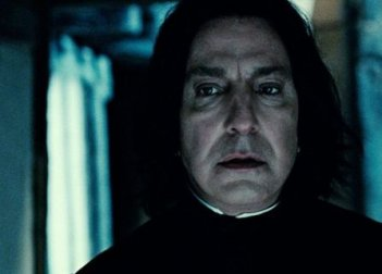Alan Rickman in una sequanza di Harry Potter e i doni della morte parte 2